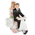 Brudepar på scooter 9x8cm