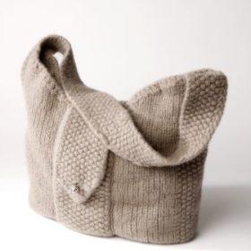 WOOL4YOU knitting kit - Hanna - brun